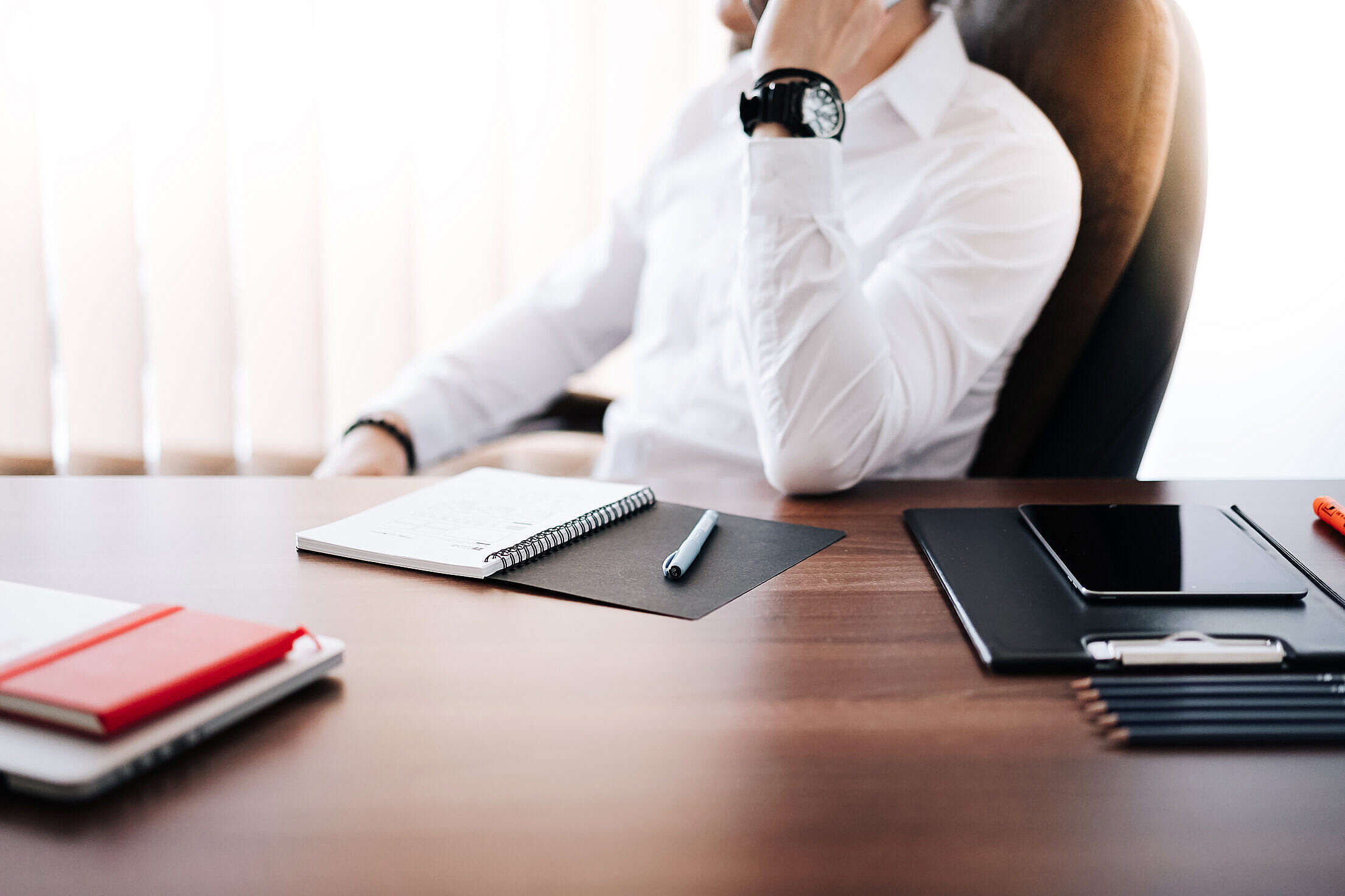 businessman ceo making a phone call in office free photo 2210x1473 1 4